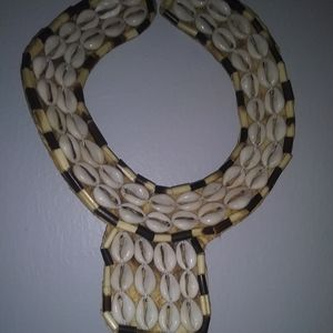 Shell necklace.